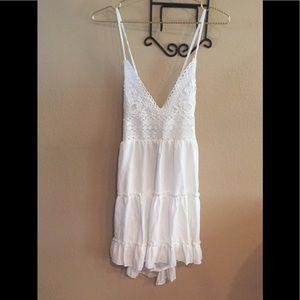 Dresses & Skirts - Cute Tie back dress